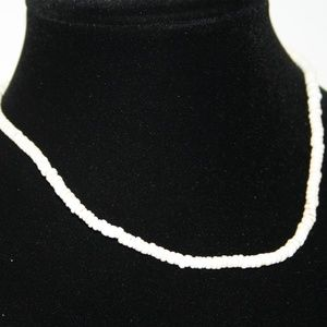 Vintage shell necklace 17 inches